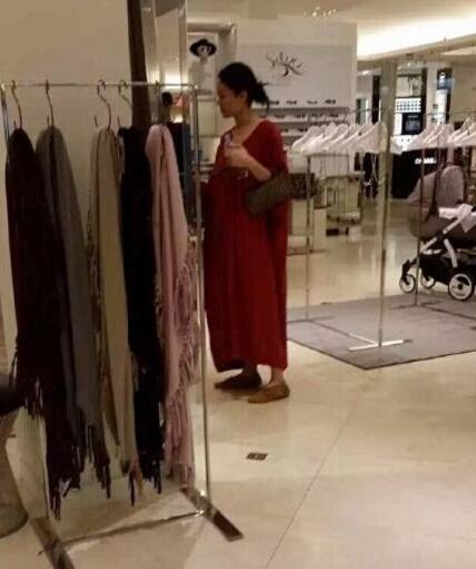 2017王菲懷孕大肚照曝光,謝霆鋒嗆聲是不是找死