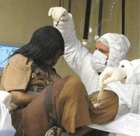 冰凍少女胡安妮塔,被冰凍至少500年的木乃伊(頭髮都沒掉)