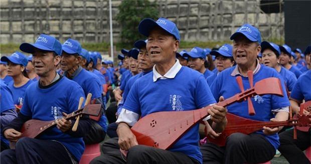 四川省九寨溝創造最大規模的琵琶合奏